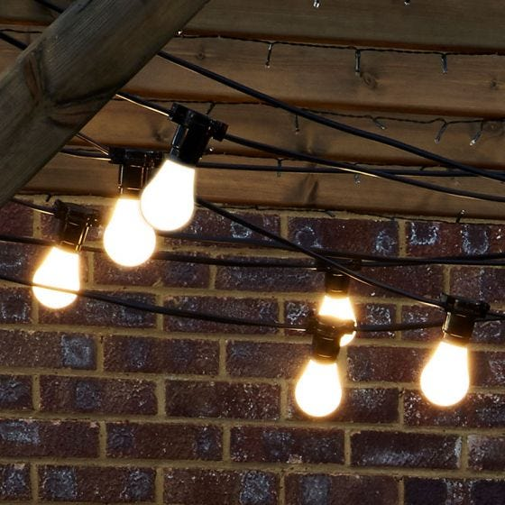 16M Weatherproof Festoon Lighting -15 Black Bulb Holders